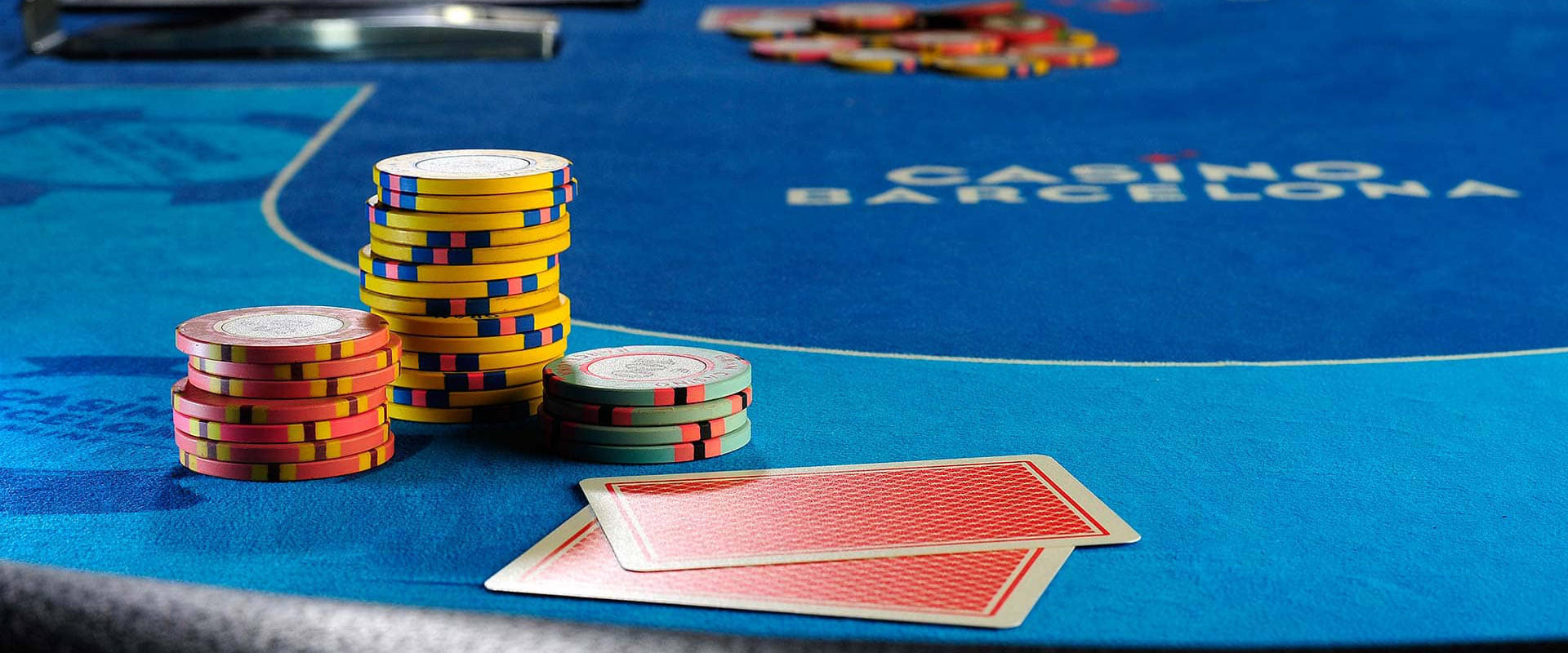 HELPFUL TIPS THAT ENSURES SAFETY AND ENTERTAINMENT WHILE PLAYING ONLINE SLOTS